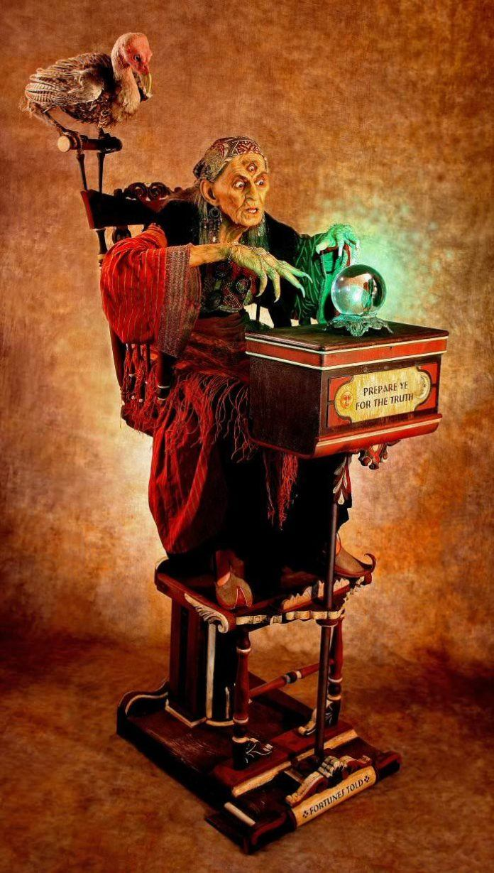 thomas kuebler creepy fortune teller third eye chrystal ball life size sculpture magic vulture