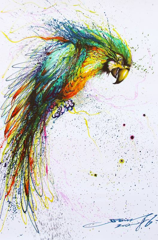 Chinese graffiti artist and painter Hua Tunan creates a laughing parrot out of splatters