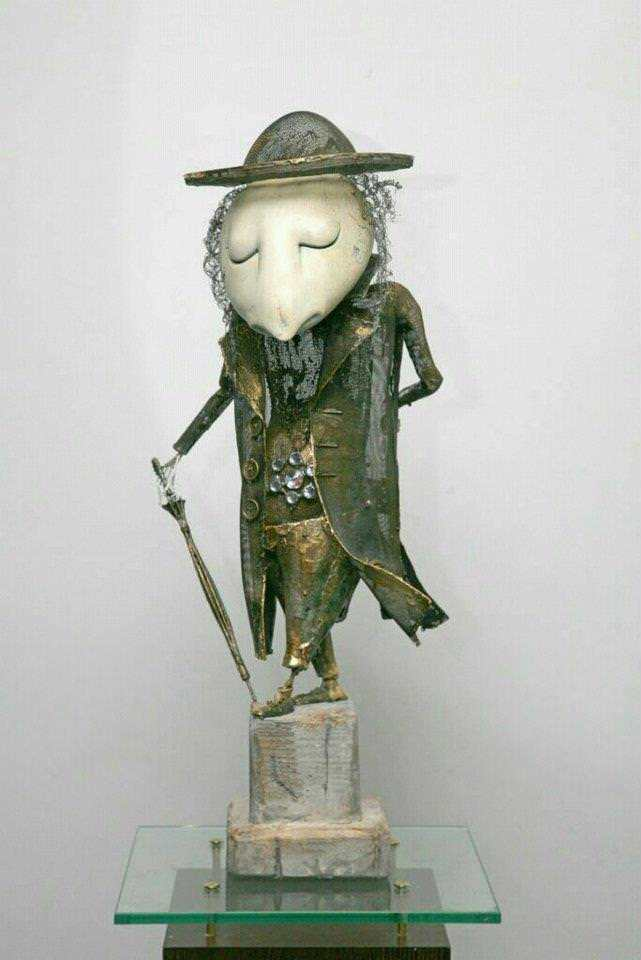 Sculptor Andrey Drozdov puts a lot of personality into this peaceful and sofisticated character sculpture